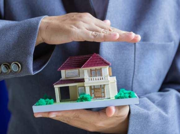Selge bolig eiendom selv